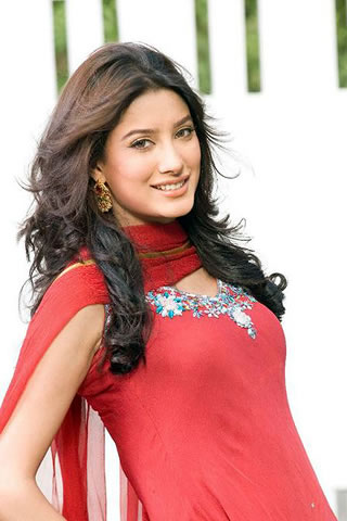 Mehwish_Hayat_Complete_Biography