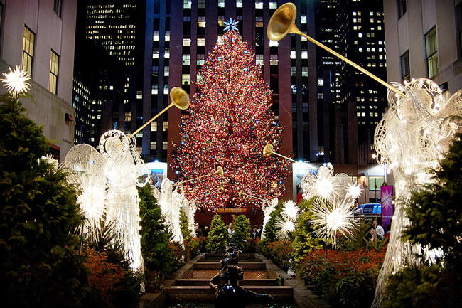 10-Christmassy-Cities-To-Visit-This-Year