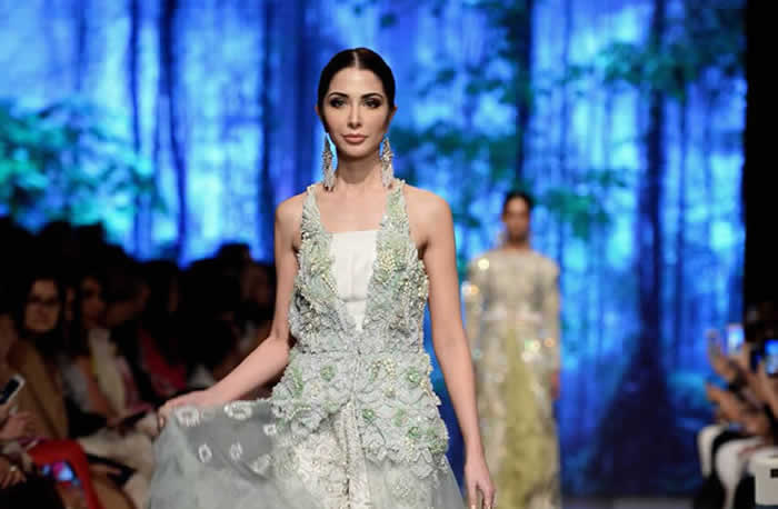 Sana Safinaz 'The Last of the Night' Collection at PLBW17