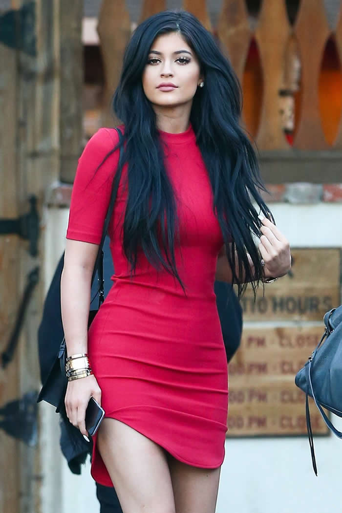Kylie_Jenners_Style_Hacks_to_Refresh_Your_Wardrobe (1)