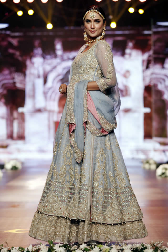 Aisha-Imran-Dresses-Bridal-Couture-Week-2016-7